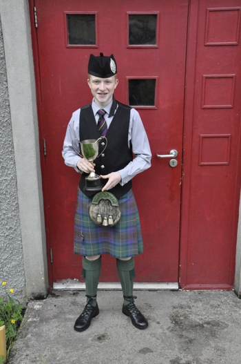 16_T23_Mod_Campbeltown-piper-Ross-Connor-15-came-first-in-the-March-and-Strathspey-and-Reel_01web